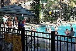 zwembad op camping Mariposa